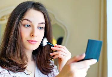 Kenner von Kosmetikprodukten